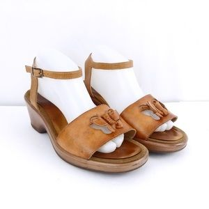 Dansko Adina Butterfly Tan Sandals Size 41(USA 11)